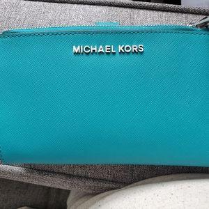 New Michael Kors smartphone wallet